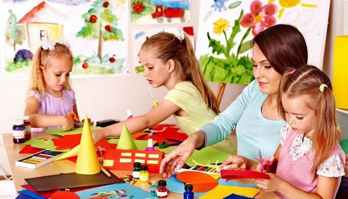 children with teachers